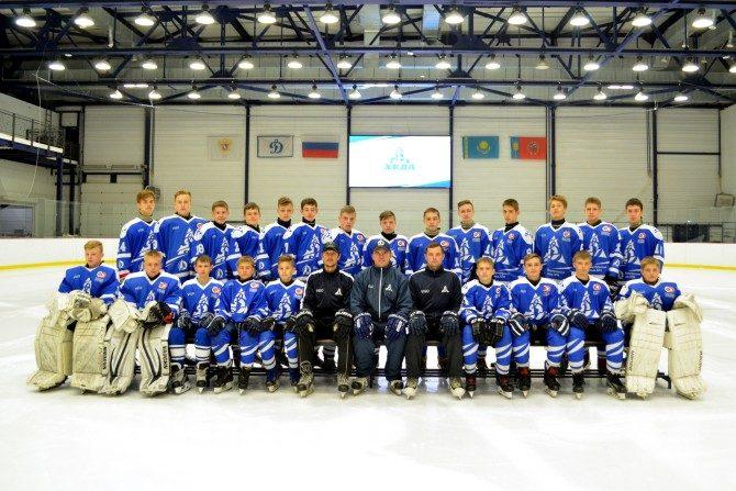Команда «Динамо-Алтай 2004» (тренеры: Александр Усачев и Олег Масленников)